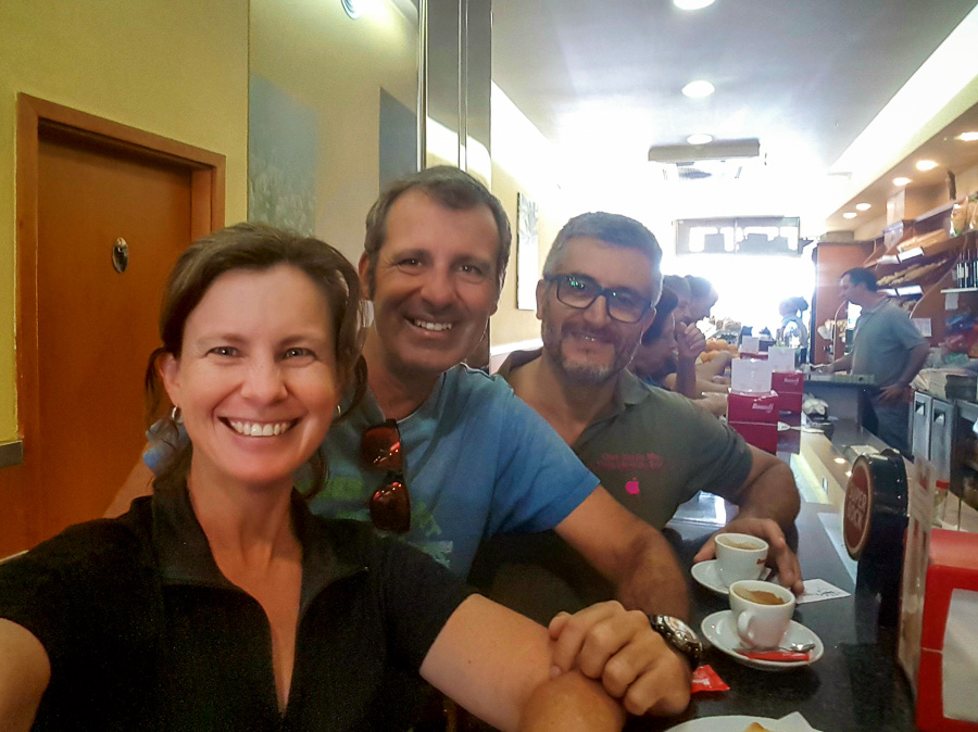 Great friends at breakfast in Porto - Portugal