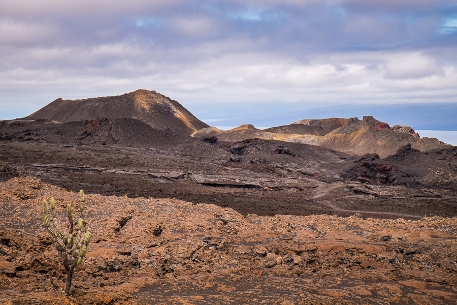 Hiking-Galapagos-Volcan-chico.jpg