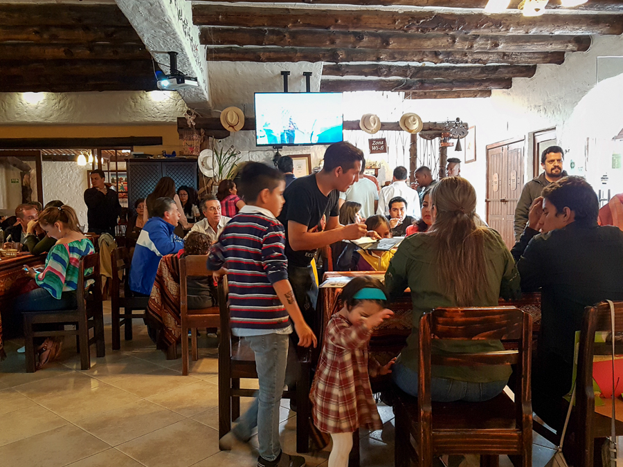 Mama Lola restaurant packed at lunchtime - Loja - Ecuador
