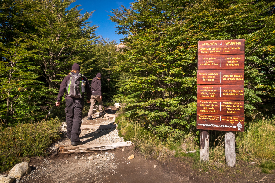 Sign for the steep part of the trail to the Laguna de los Tres - El Chaltén - Argentina