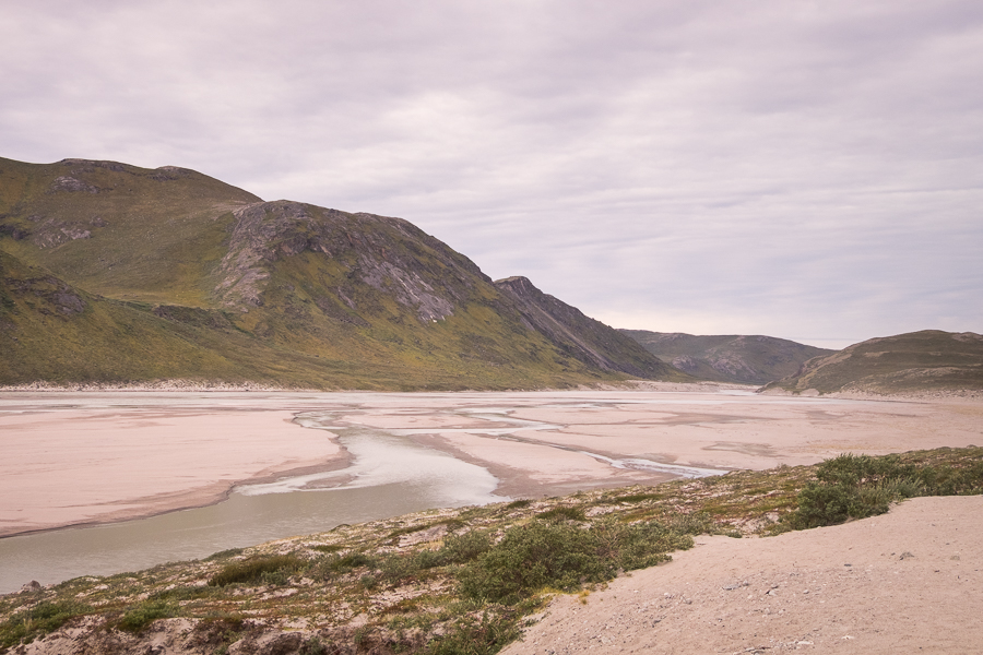 Akuliarusiarsuup Kuua (Sandflugtdalen in Danish) is the river that flows from the base of the Russell Glacier to the Kangerlussuaq Fjord