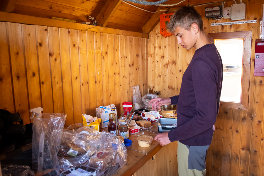 Making breakfast on an Icelandic Mountain Guides trek