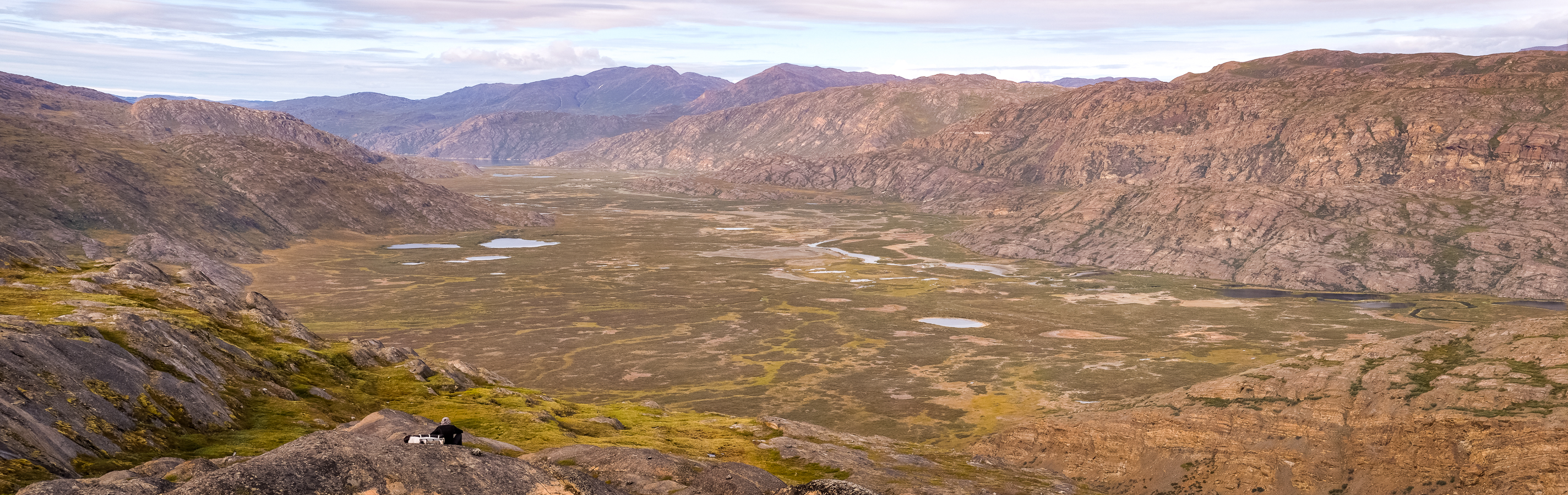 Panorama of Ole's Lakseelv (Itinneq) Valley - Arctic Circle Trail - West Greenland