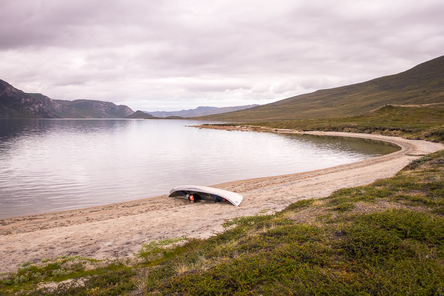 Our canoe left on the shore of the Amitsorsuaq Lake - Arctic Circle Trail - West Greenland