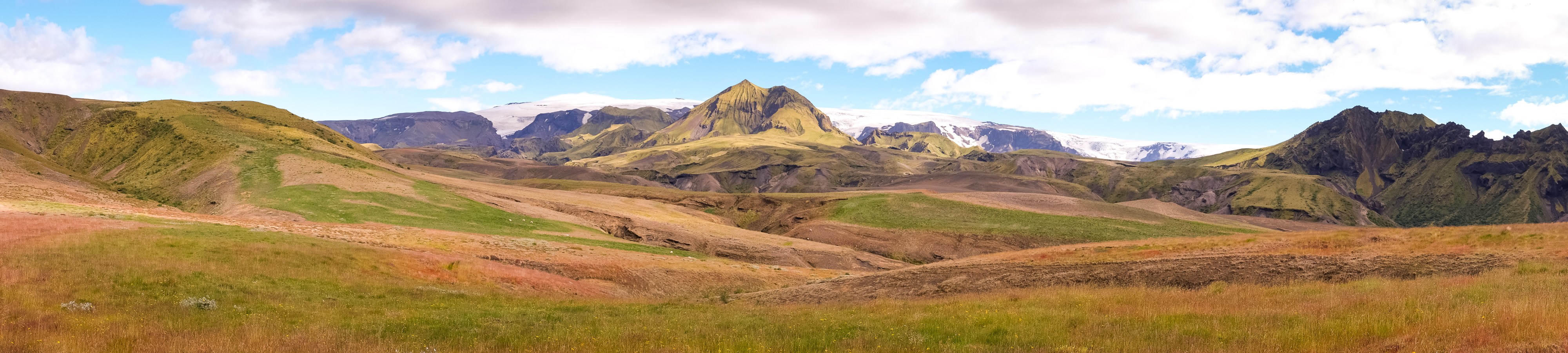 Panorama of part of Day 4 of the Laugavegur Trail - Icelandic Highlands