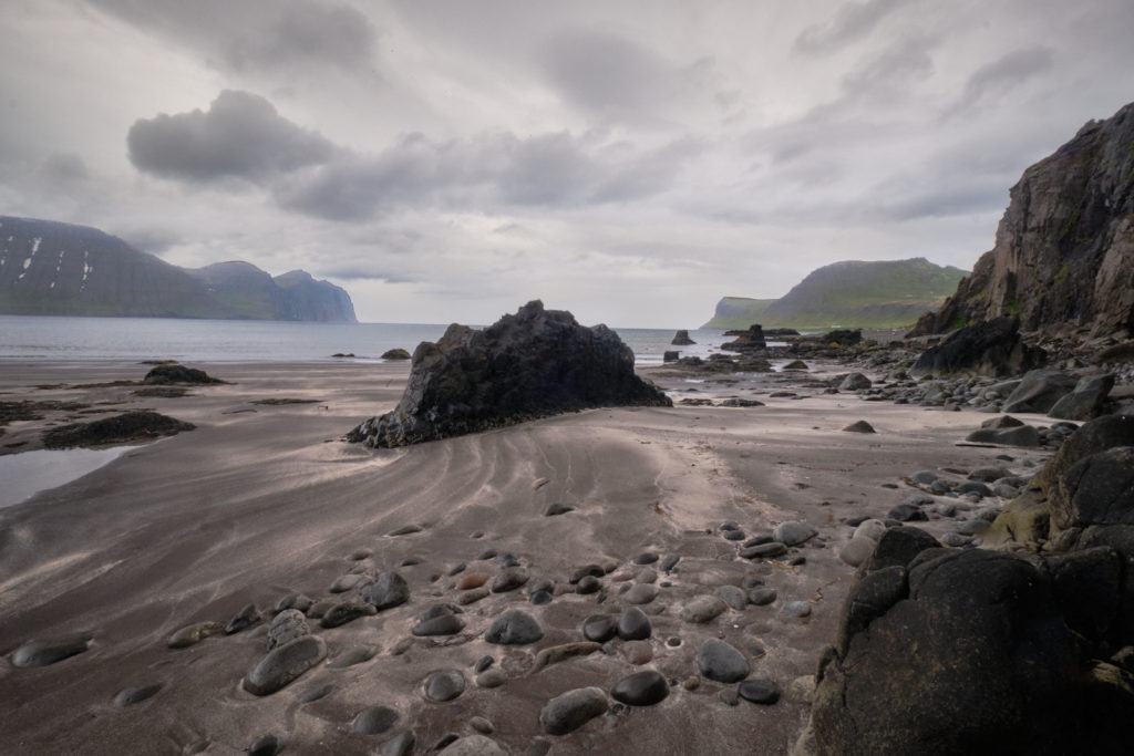 Beach with large rocks - Hornbjarg - Hornstrandir - Iceland
