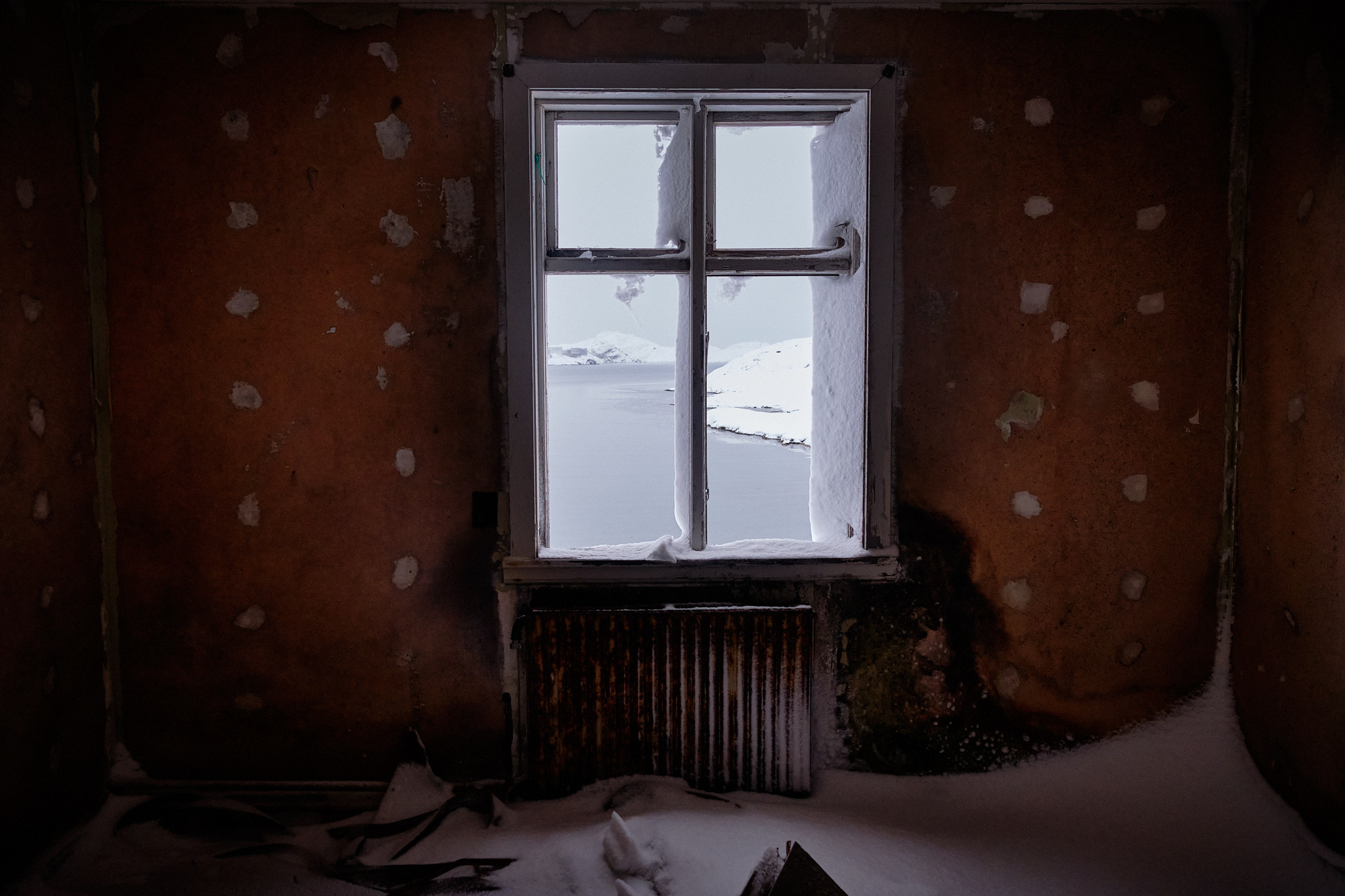 Window in Seamens Home - Nordafar Abandoned fish factory near Nuuk