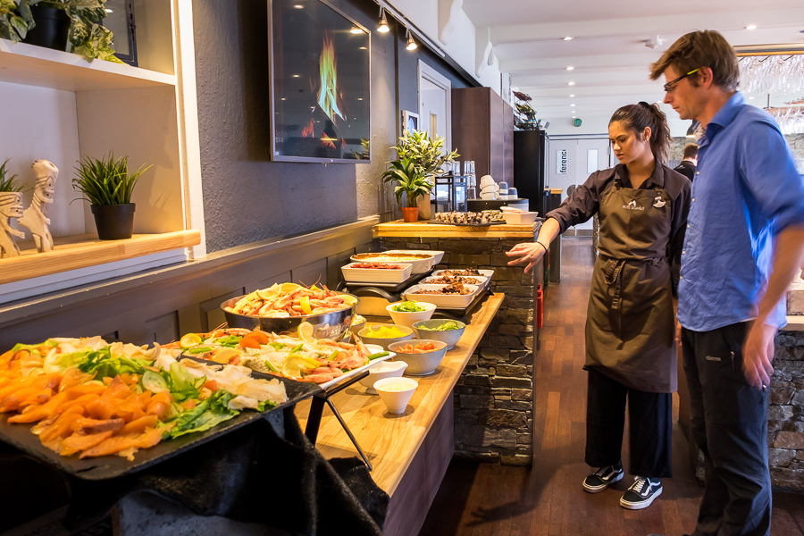 Traditional-Greenlandic-Buffet-explaining-spread.jpg